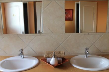 2 vasques par sanitaire